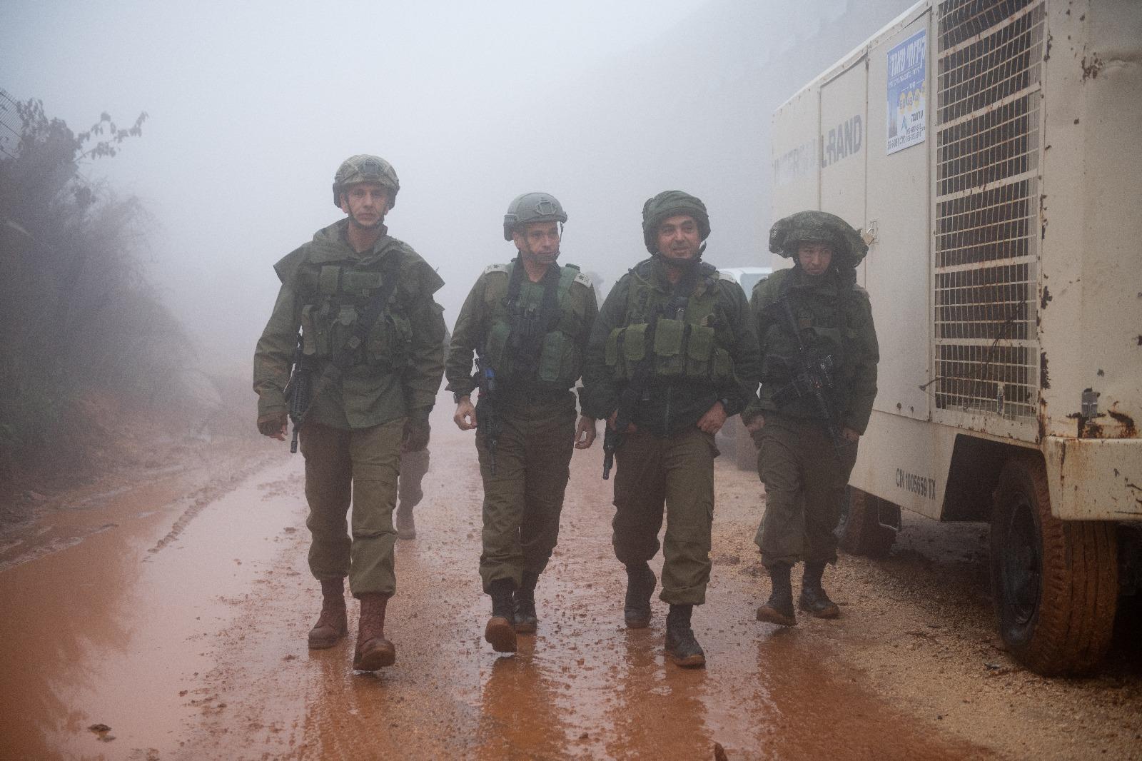 חייליים