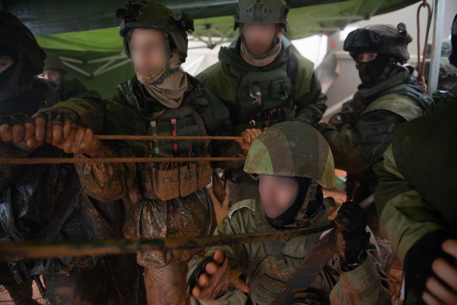 צבא חיילםי