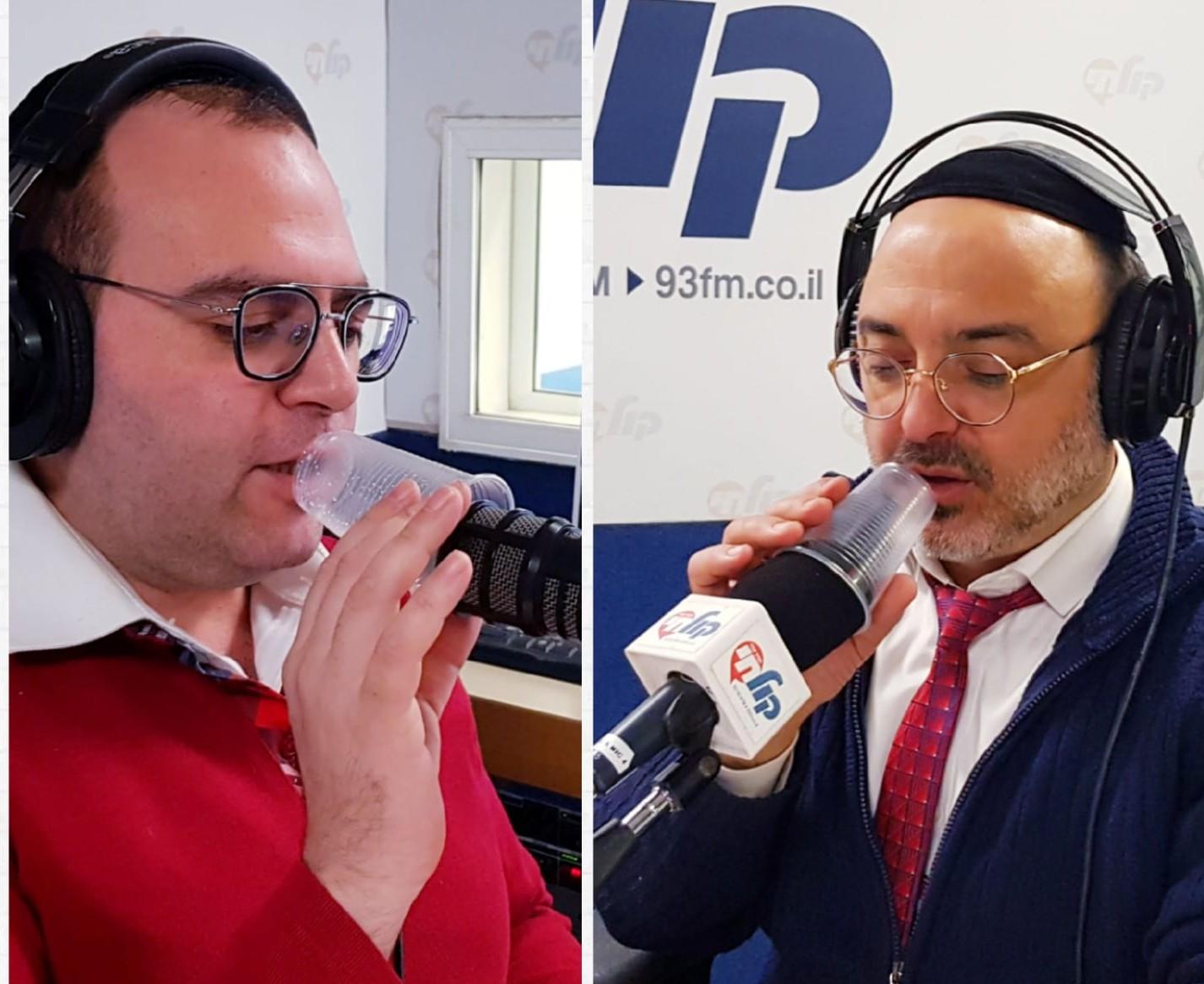 WhatsApp Image 2019-01-10 at 20.01.00 שוקרון ואלעד עם כוס חד פעמית