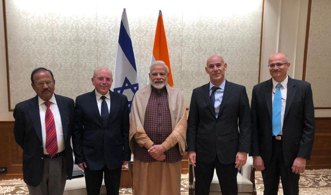 בפגישה עם ראש ממשלת הודו