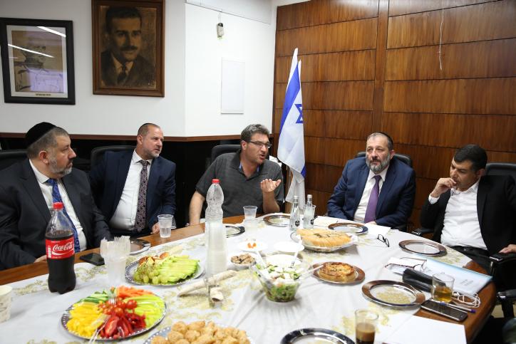 דרעי וברנס בפגישה עם ראש עיריית בת ים, יוסי בכר