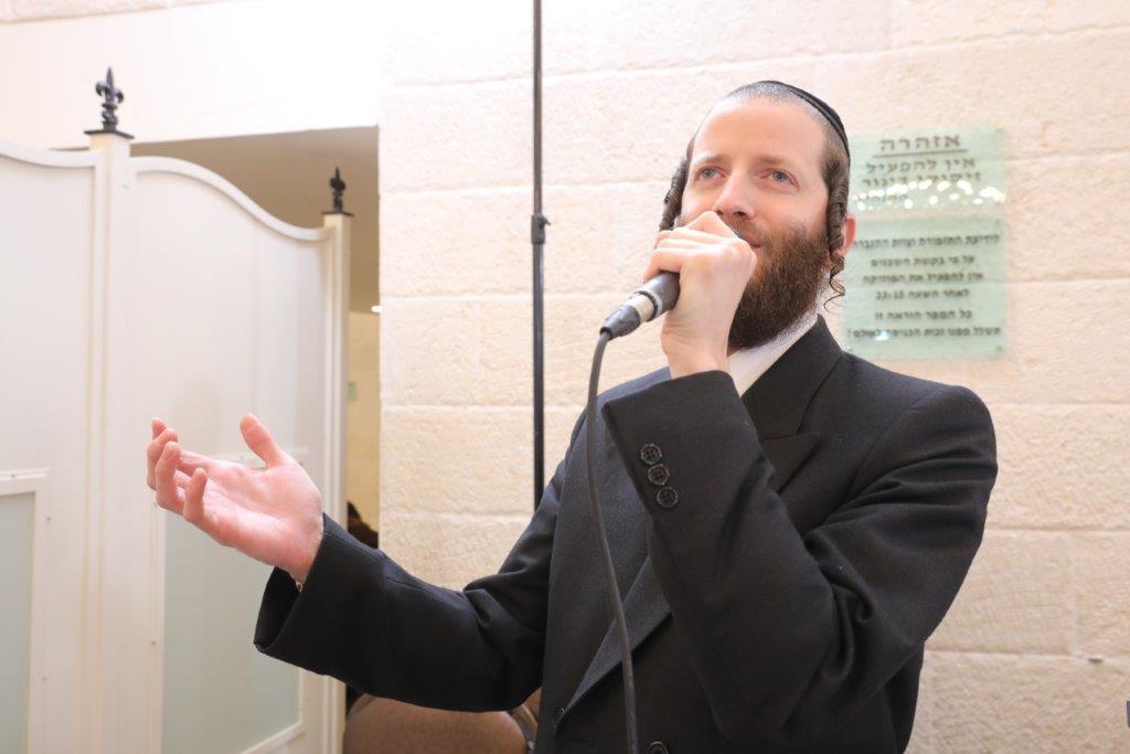הזמר מוישי רוזנברג - צילום יניב מעטוף