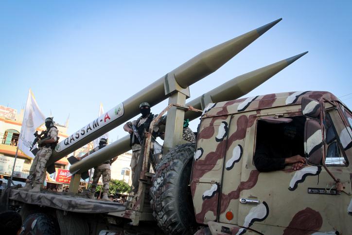 חמאס במפגן ברצועה עם טילים ארוכי טווח