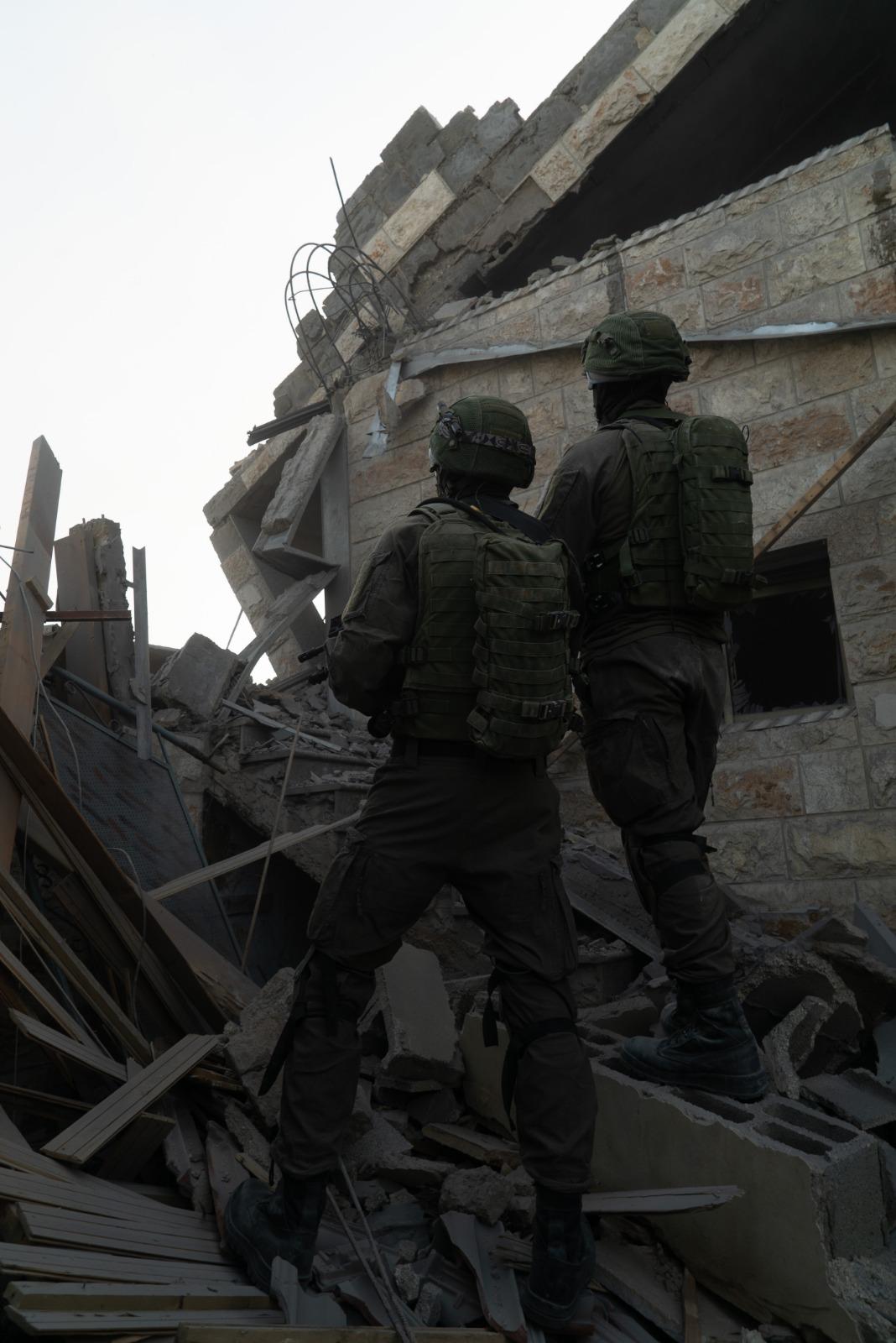 חיילים בית המחבל