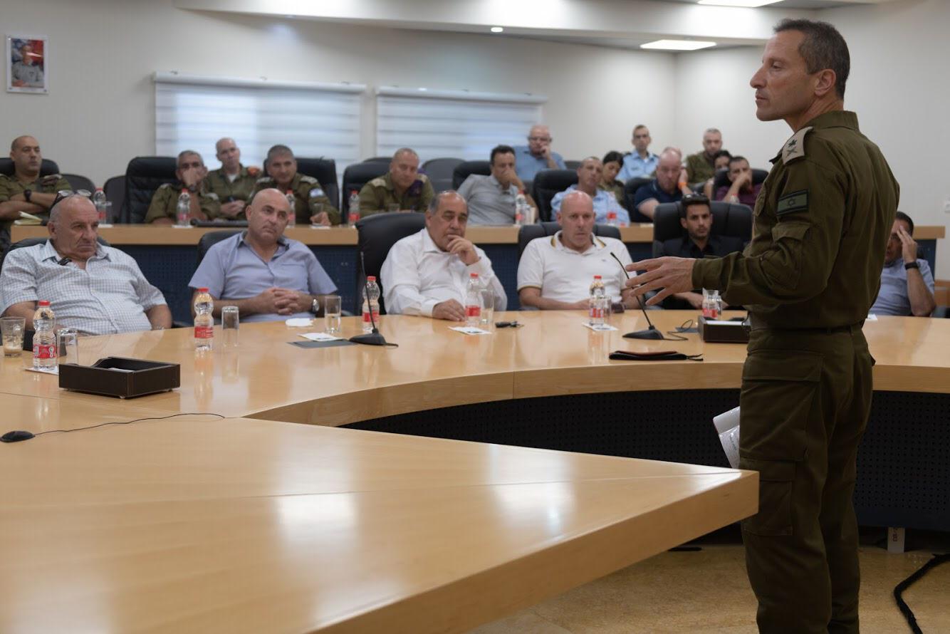 אלוף פיקוד הצפון עם ראשי הרשויות
