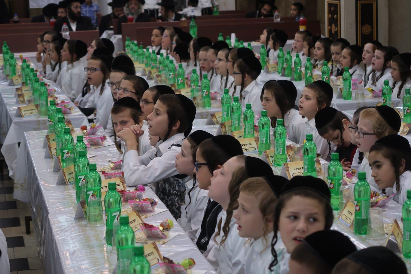 חלוקת פרסים ברסלב ילדים צילום משה מרקוביץ (11)