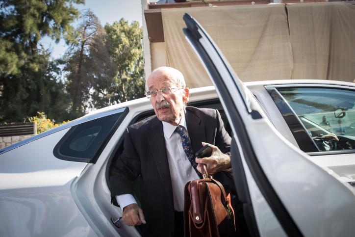 עורך הדין של ראש הממשלה מגיע הבוקר לשימוע במשרד המשפטים