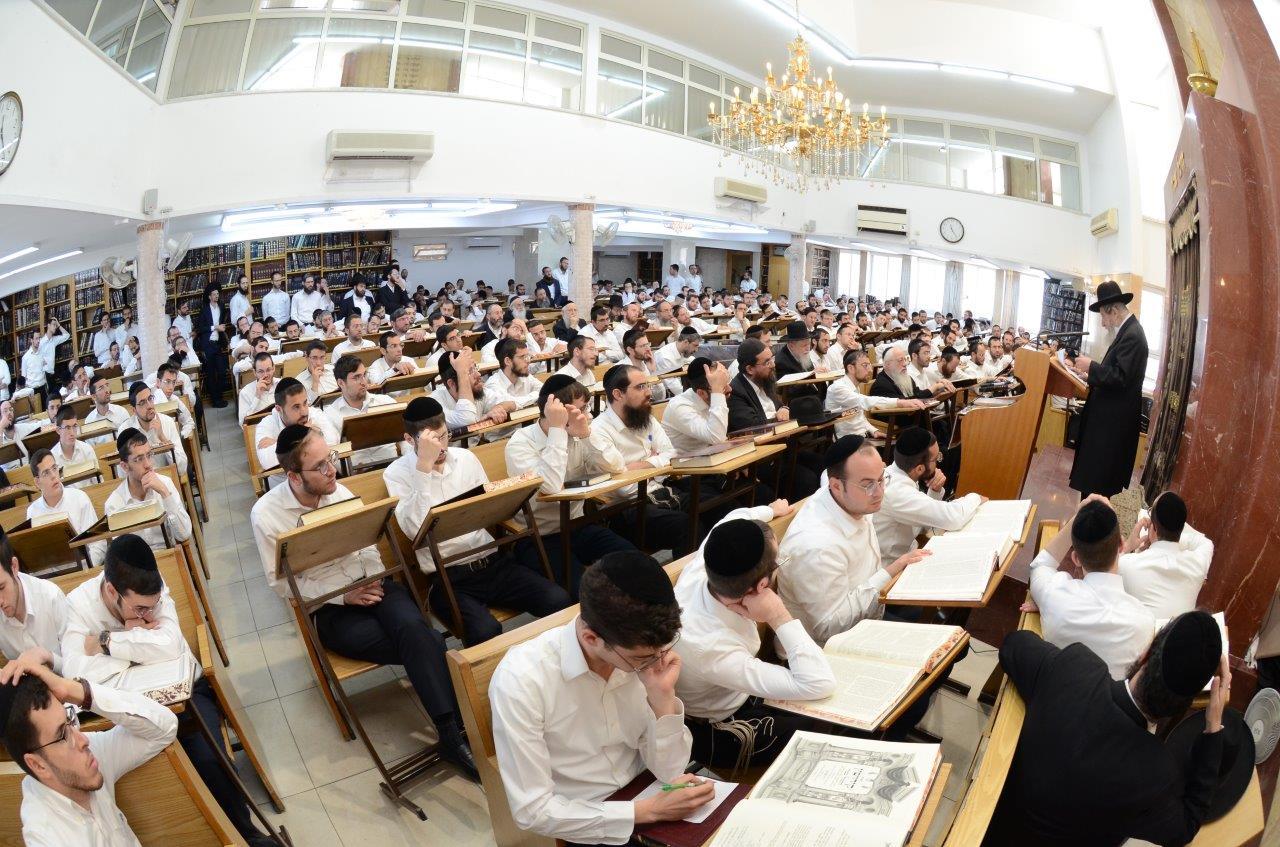 12הגר''ד לנדו בהיכל הכולל המרכזי נר ישראל