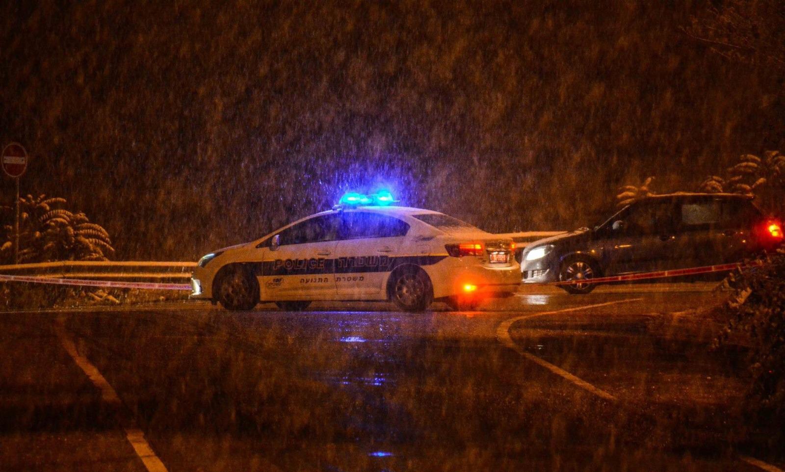 משטרה, חורף, גשם