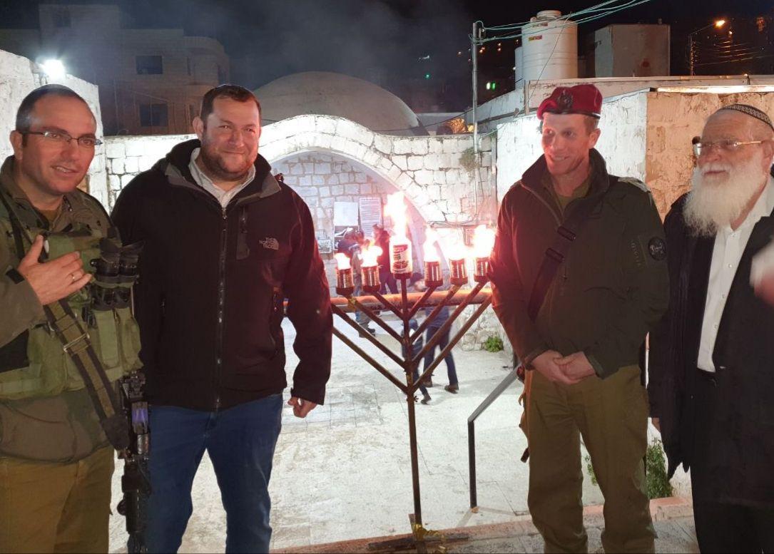 יוסי דגן - חנוכה בקבר יוסף