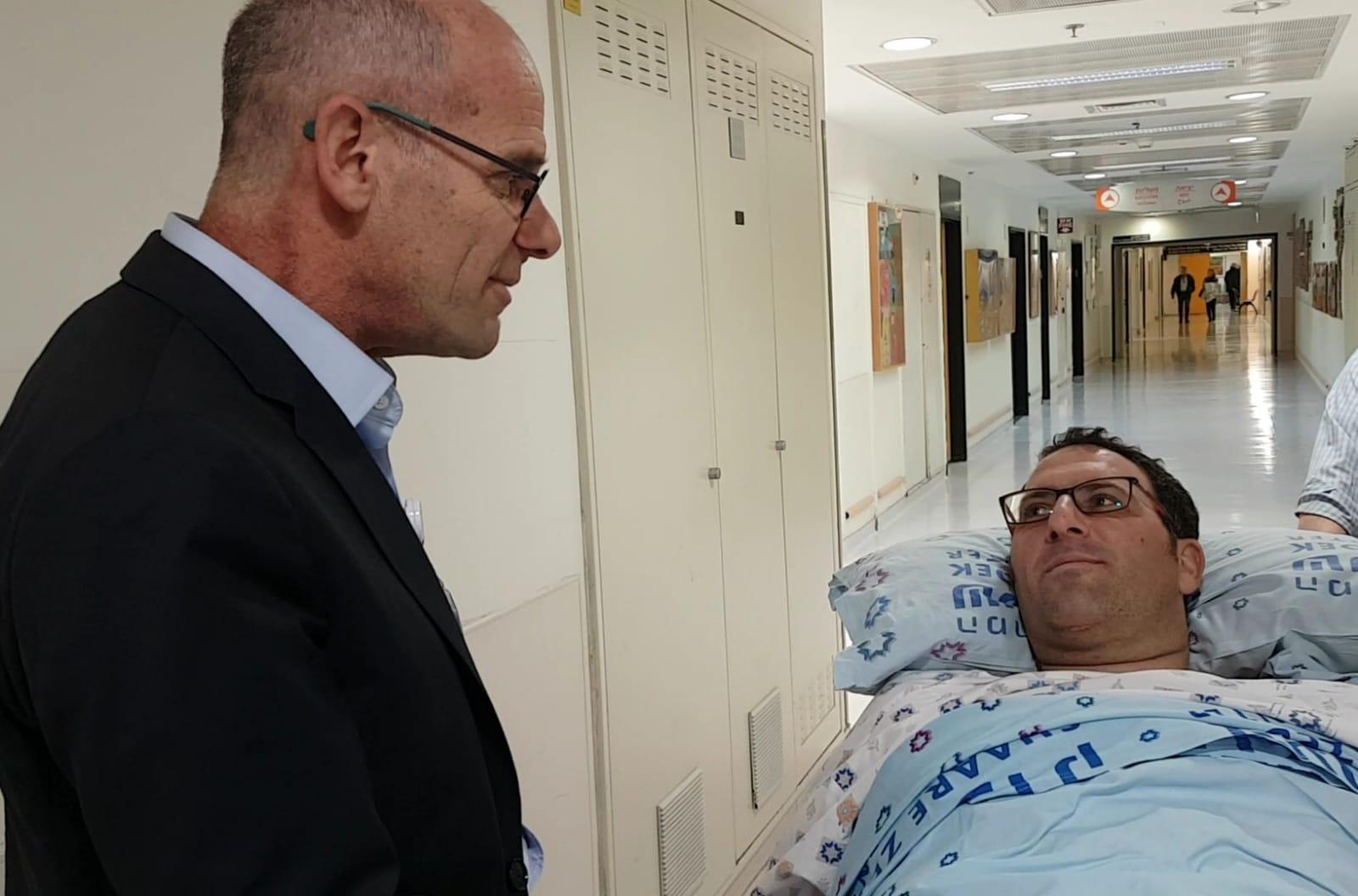 """מנכ""""ל המרכז הרפואי שערי צדק פרופ' עופר מרין עם אפרים רימל"""