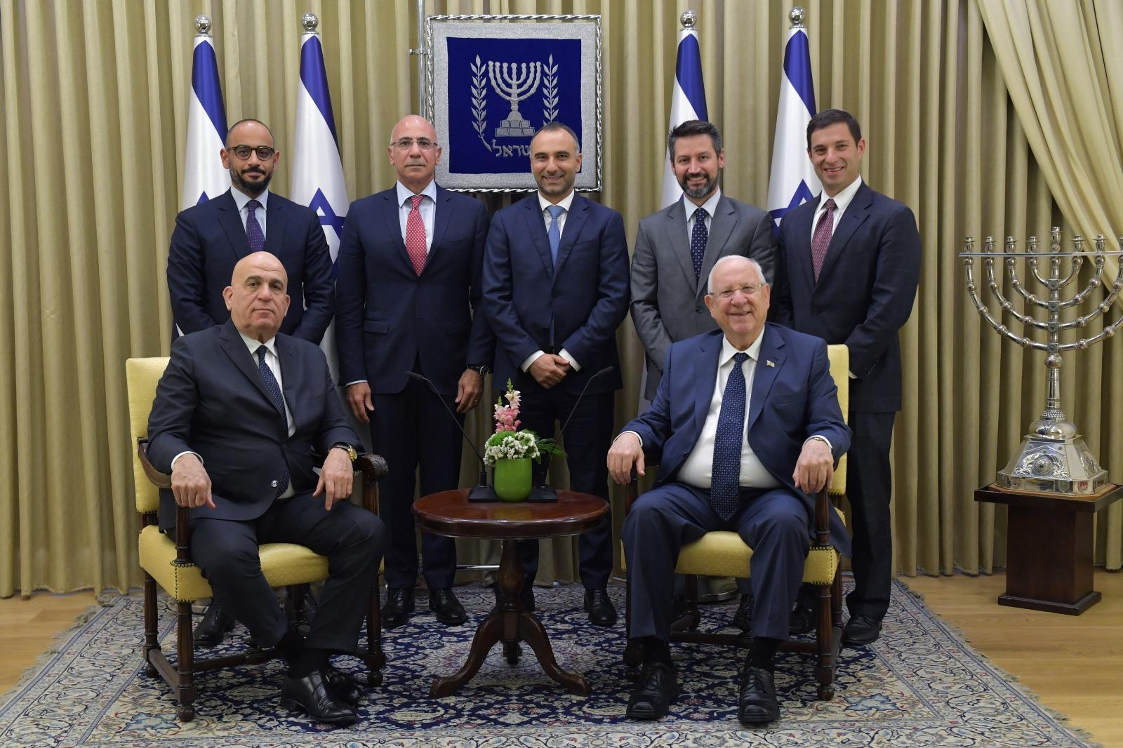 נשיא המדינה עם שגריר מצרים