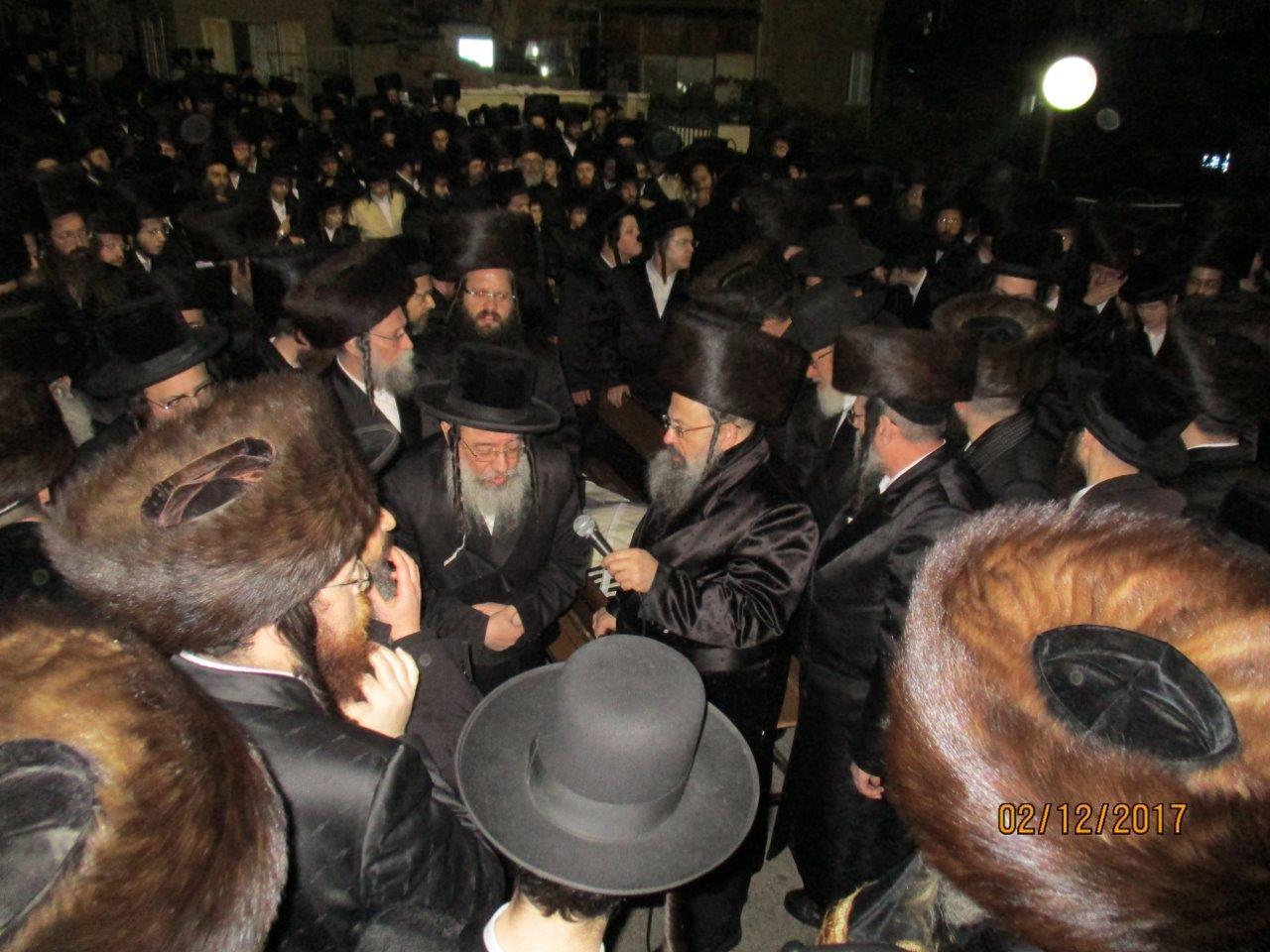 הלווית הרב יצחק גודלמן זצל מזוויעהל 06