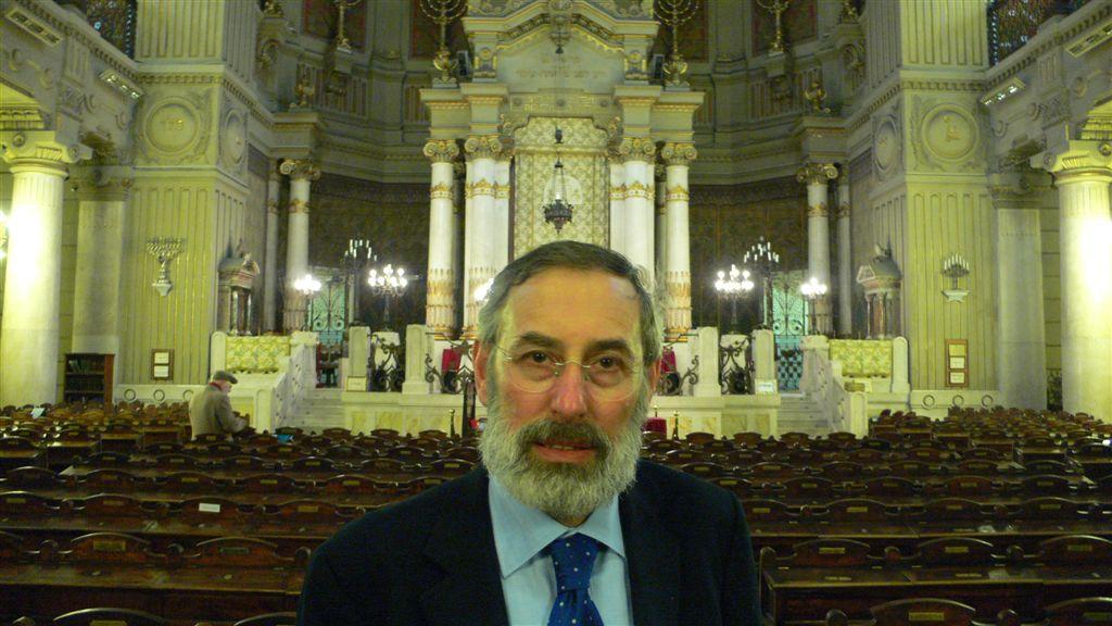 ריכזו חתונות דוקא בערב פסח. רבה של רומא, הרב שמואל די סייני בהיכל בית הכנסת הגדול ברומא (1)
