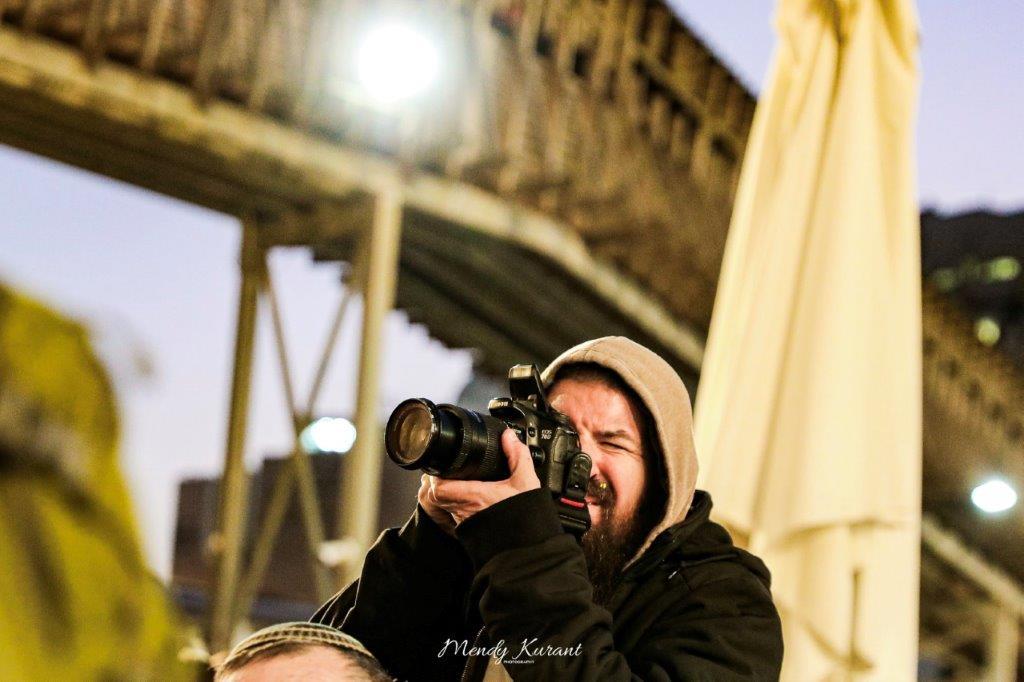 הדלקת נרות חנוכה בכותל צילום מענדי קורנט (15)